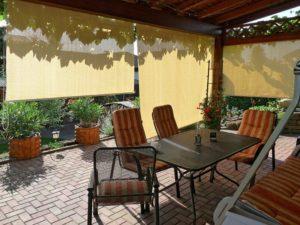 senkrechtmarkise f r balkon terrasse oder wintergarten im test 2018. Black Bedroom Furniture Sets. Home Design Ideas